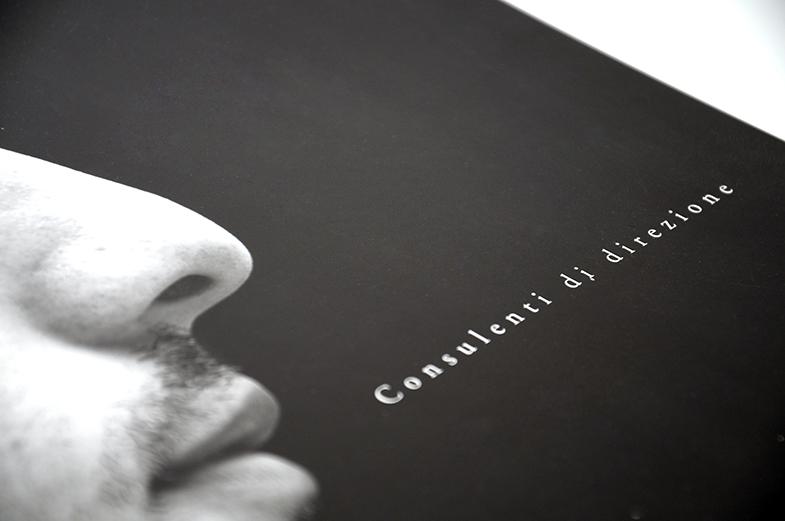km brochure 01